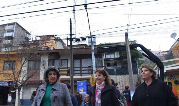 Proceso de instalación de las nuevas cámaras de Televigilancia fue encabezado por alcaldesa Virginia Reginato