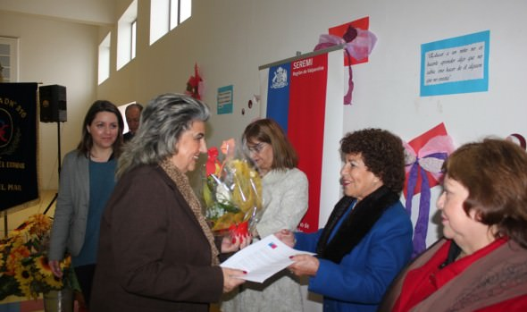 Profesoras Normalistas recibieron un reconocimiento de parte de alcaldesa Virginia Reginato y Seremi de Educación