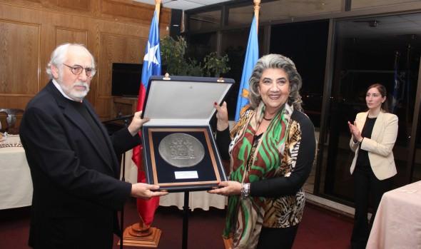 Tres destacados cineastas fueron homenajeados por el municipio de Viña del Mar  en el marco del Ficviña 2014