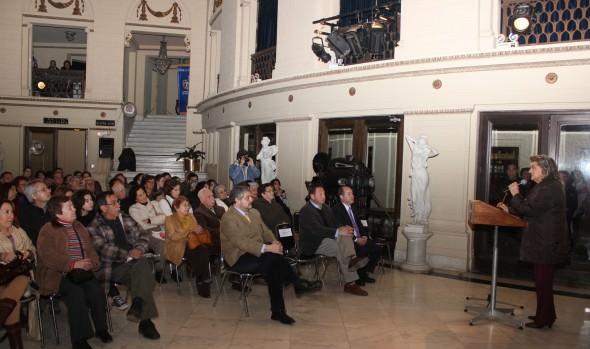Programa Cultural Viña de viste de Folklore celebró 20 años con espectáculo en el Teatro Municipal