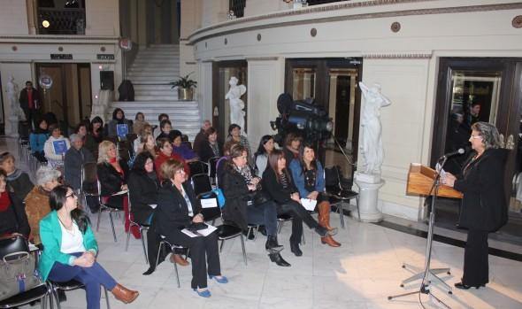 Municipio de Viña del Mar y PRODEMU desarrollaron Seminario de orientación sobre derechos de la mujer