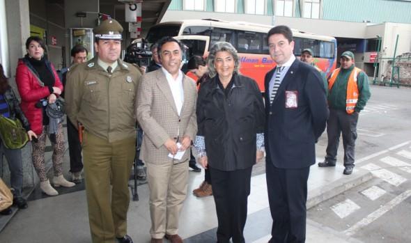 Fiscalización en el Rodoviario realizaron alcaldesa Virginia Reginato, gobernador y policías