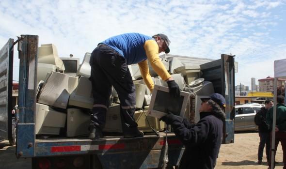 Municipio de Viña del Mar envía 4 toneladas de basura electrónica a empresa de reciclaje para  evitar botarla  en vertederos