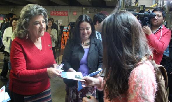 Ministro de Justicia y alcaldesa Virginia Reginato participaron en Programa de Difusión de Derechos legales