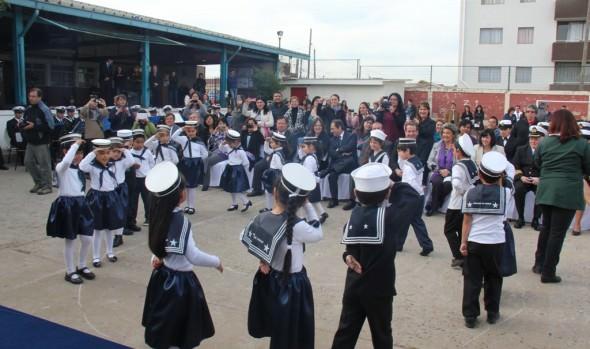 Alianza entre la Armada de Chile y escuela viñamarina beneficiará a 350 alumnos