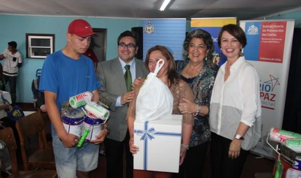 """Programa Barrio en Paz residencial inicia taller """"Pintando Fachadas en Familia"""
