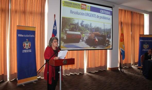 Programa Municipal de reparación y bacheo de calles 2014-2015, por $1700 millones dio a conocer alcaldesa Virginia Reginato