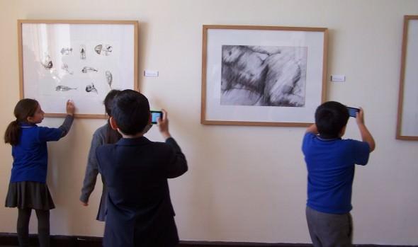 Municipalidad de Viña del Mar invita a disfrutar de últimos días de Bienal Regional de dibujos