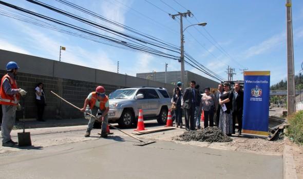 Trabajos de reparación de calle Limache fueron inspeccionados por alcaldesa Virginia Reginato