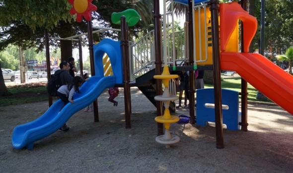 Municipio de Viña del Mar instaló juego modular en Plaza Miraflores
