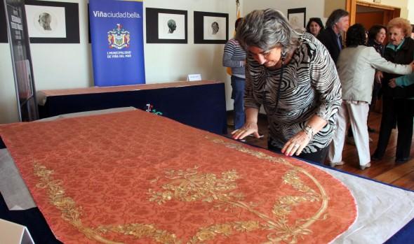 Restauración de parte de los textiles murales del Palacio Rioja fueron recepcionados por alcaldesa Virginia Reginato