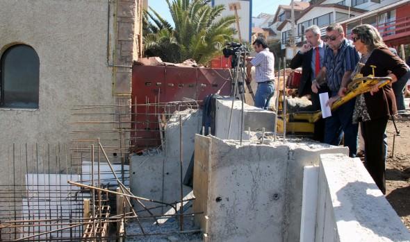 Obras de calle Bellavista en Reñaca fueron inspeccionadas por alcaldesa Virginia Reginato y Seremi de OOPP
