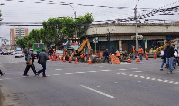 Municipio de Viña del Mar inició pavimentación de cruce de calle Valparaíso con Quillota