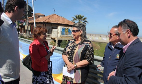 Trabajos de pintado  de Puente Reñaca fueron inspeccionados por alcaldesa Virginia Reginato