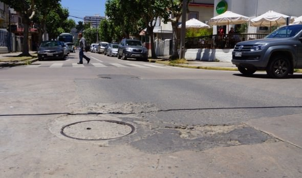 Municipalidad de Viña del Mar llama  a propuesta para reparar calzada de otras 3 callen
