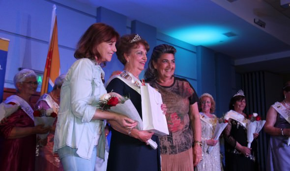Reina del Adulto Mayor 2014 de Viña del Mar, fue coronada por alcaldesa Virginia Reginato