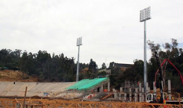 Municipalidad de Viña del Mar comenzó instalación de pilares de galería laguna de estadio Sausalito