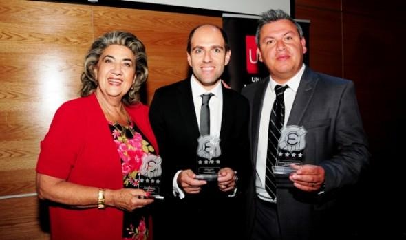 Everton entregó reconocimiento a alcaldesa Virginia Reginato y Casa del Deporte