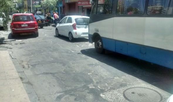 Municipio de Viña del Mar informa que reposición de calle Traslaviña se realizará el próximo año