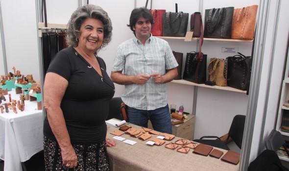 80 artesanos participan de muestra de Manos Maestras que fue inaugurada por alcaldesa Virginia Reginato