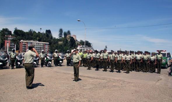 Importante contingente de Carabineros que  resguardara  seguridad en Viña del Mar en verano fue recibido por alcaldesa Virginia Reginato