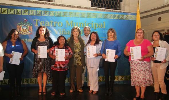 Vecinos de campamentos recibieron cursos de capacitación del municipio de Viña del Mar