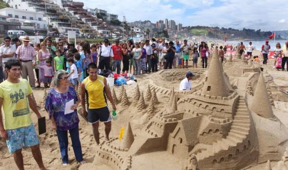 Continúa 32ª versión del concurso de castillos de arena en Reñaca