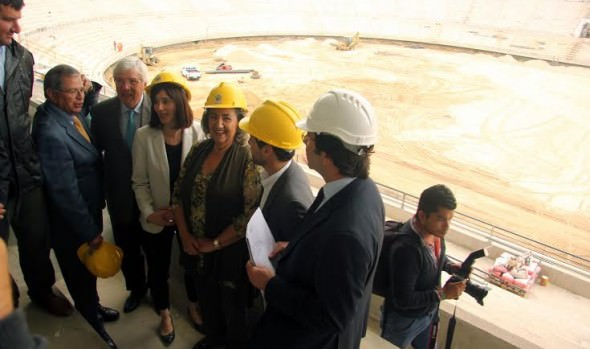 Ministra del Deporte conforme por avance de obras de Estadio Sausalito