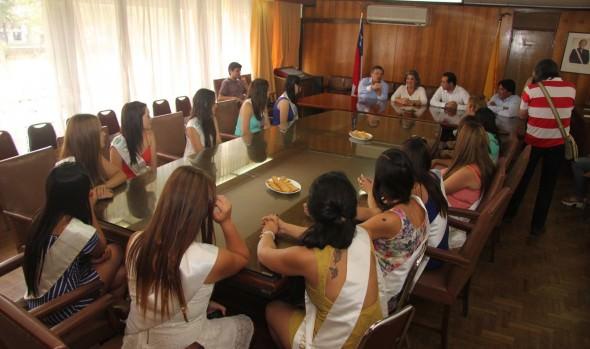 Candidatas a reina de San Antonio compartieron con alcaldesa Virginia Reginato