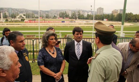Medidas de seguridad para El Derby fueron corroboradas por alcaldesa Virginia Reginato,  intendente y policías