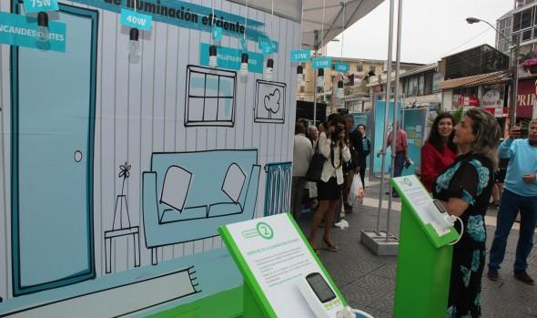 Feria itinerante que promueve la eficiencia energética fue destacada por alcaldesa Virginia Reginato