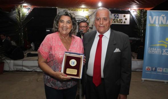 Club Deportivo Tres Estrellas cumplió 50 años en ceremonia encabezada por alcaldesa Virginia Reginato