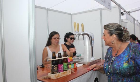 Variada oferta de productos brinda  3ª Expo Viña Gourmet, inaugurada por alcaldesa Virginia Reginato