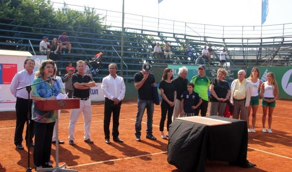 Nominación de court de tenis con nombre de Nicolás Massú fue valorado por alcaldesa Virginia Reginato