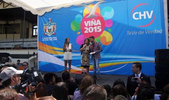 Viñamarinos participaron en tradicional Gala Vecinal del Festival