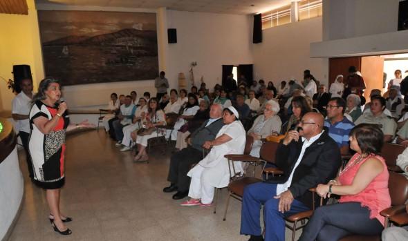 Jurados del Festival compartieron con abuelitos de Hogar Hermanitas de los pobres invitados por alcaldesa Virginia Reginato