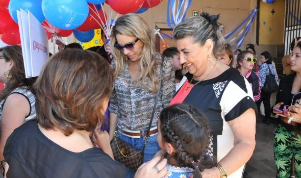Jurados del Festival y alcaldesa Virginia Reginato compartieron con menores de Hogar  Teresa Cortés Brown