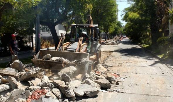 Municipio de Viña del Mar continúa realizando millonaria inversión en reparación de calles