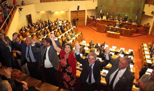 Aprobación de proyecto que modifica Ley de Casinos fue catalogado como histórico por alcaldesa Virginia Reginato