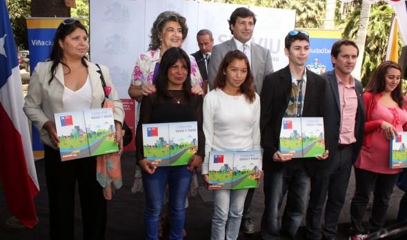 Nuevos subsidios habitacionales fueron entregados por alcaldesa Virginia Reginato, intendente  y Serviu