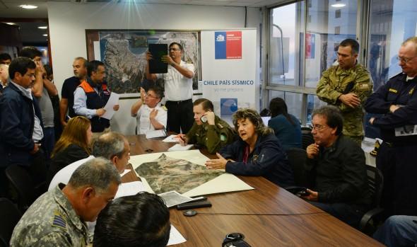 Alcaldesa Virginia Reginato manifestó su apoyo a bomberos lesionados en incendio de Valparaíso