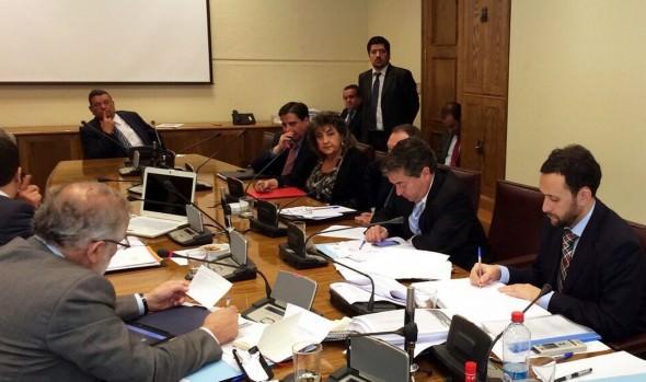Optimismo manifestó alcaldesa Virginia Reginato por análisis del proyecto de ley casinos en Comisión de Hacienda del Senado
