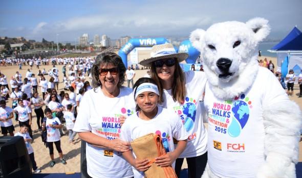Caminata Mundial por el agua en Viña del Mar, que tuvo masiva participación  fue encabezada por alcaldesa Virginia Reginato