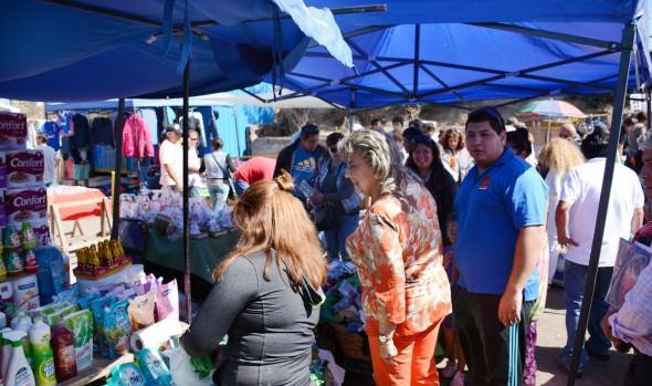 251 locatarios de feria Caupolicán reciben equipamiento de alcaldesa  Virginia Reginato y Sercotec para mejorar sus puestos de trabajo