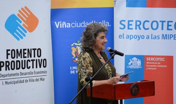 Antecedentes sobre postulaciones al programa Capital Semilla, informaron alcaldesa Virginia Reginato y Sercotec