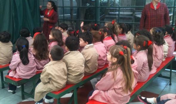 Niños de nivel preescolar disfrutaron obra de títeres del Programa municipal PASOS de la Municipalidad de Viña del Mar