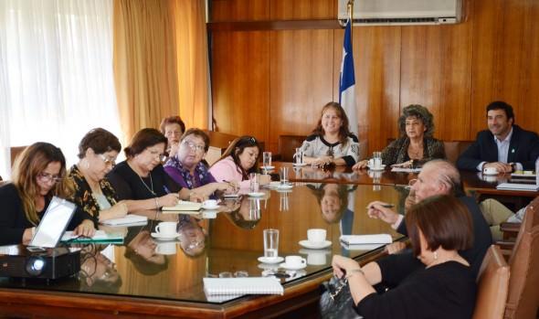 Vecinos de Recreo fueron informados por alcaldesa Virginia Reginato sobre medidas de mitigación  solicitadas para trabajos de Av. España