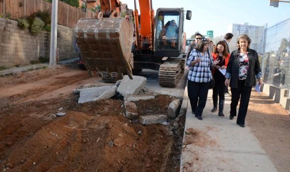 Emblemático proyecto de reposición de pavimento en Viña del Mar Alto dio inicio alcaldesa Virginia Reginato