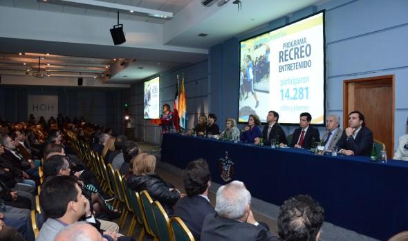 Con énfasis en el actual y futuro desarrollo comunal, alcaldesa Virginia Reginato rindió Cuenta Pública 2014