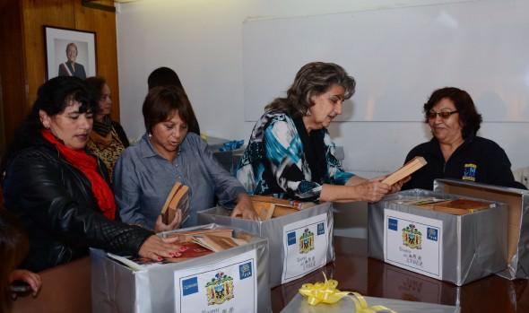 3 bibliotecas comunitarias fueron beneficiadas con libros reciclados gracias a campaña impulsada por  municipio de Viña del Mar